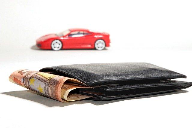 Rahaa ja auto